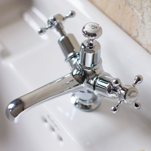 image for CL5 Burlington Claremont Basin Mixer With Plug And Chain Waste